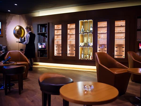 Cigar Lounge Luxushotel Marriott GERBER Humidor